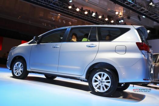 Toyota Innova 7 chổ ngồi